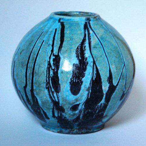 raku ruggatott váza